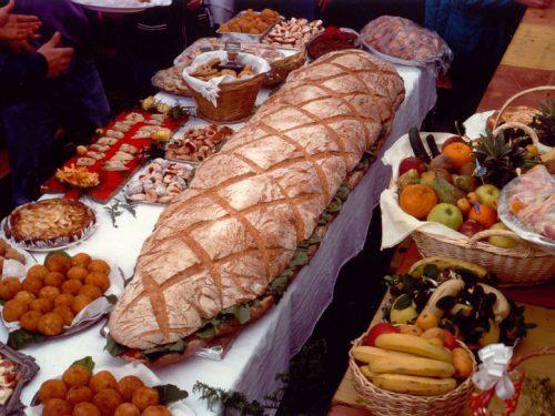 L'antica tradizione del pane eoliano fatto in casa: tra storia e prospettive future.