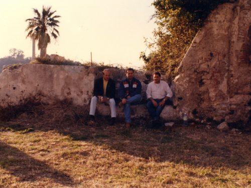 Il Castello difeso dai ragazzini / Ha mura arabe, strutture del '500: restaurato, subito abbandonato (1990)