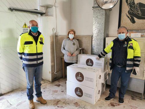 Ragusa, la Protezione Civile dona le colombe di Fiasconaro ai detenuti