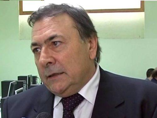 """Antonio Cantaro e i ragazzi del Majorana di Gela: il pensiero differente che si chiama """"Linux"""""""